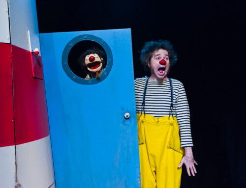 Der Leuchtturmwärter feiert mit Theater Olé!